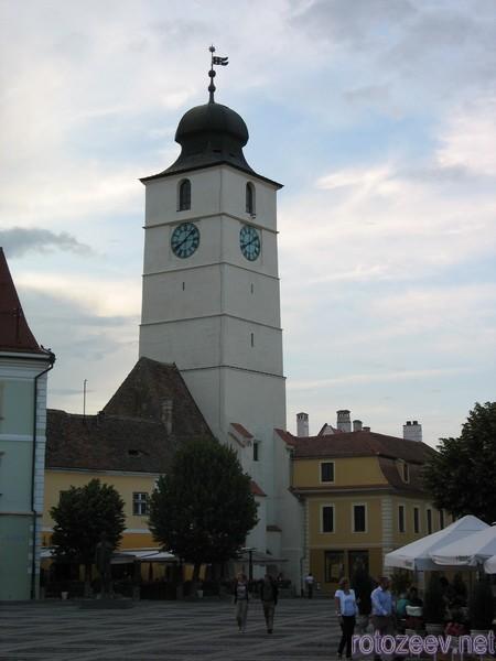 Башня на площади в Сибиу