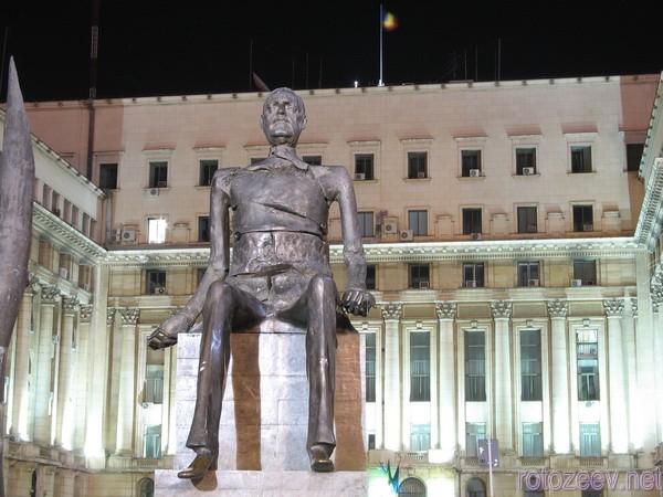 Памятник политзаключенным в Бухаресте