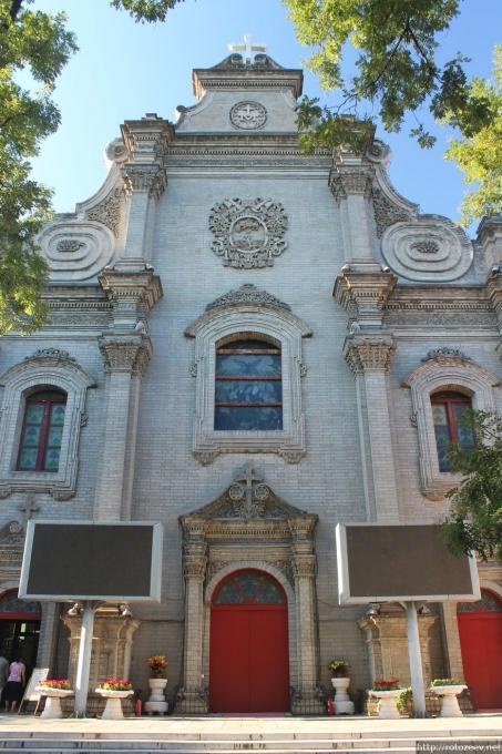 Католический храм в Пекине