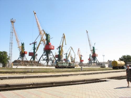 Феодосия: вокзал и порт
