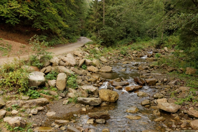 Дорога к водопаду Гук