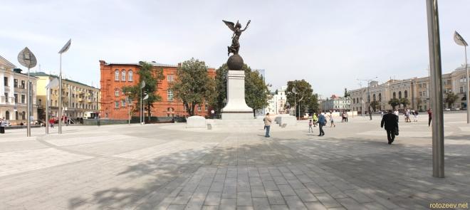Монумент независимости в Харькове