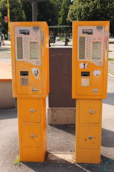 Автомат для покупки билетов на проезд в городском транспорте, Кошице, Словакия