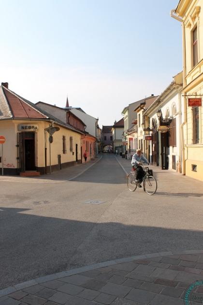 Велосипедист в старинном Кошице