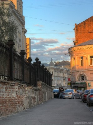 В центре Харькова перед закатом