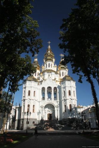 Харьков, Зеркальная струя, храм, 2016 год